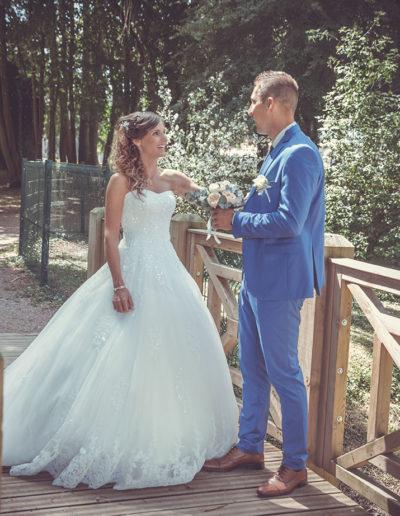 mariés sur un pont effet (filtre photo)
